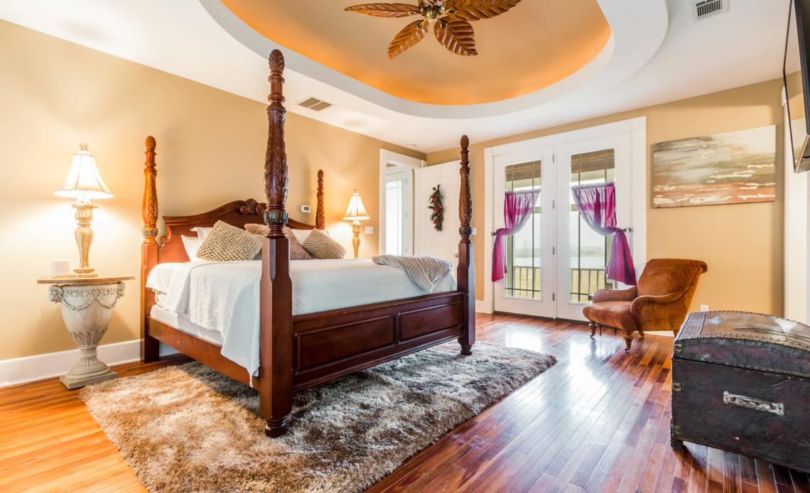 Master Bedroom - Moonshadow Ranch